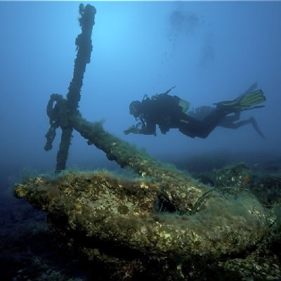 Anchor laying at the bottom floor in Italy